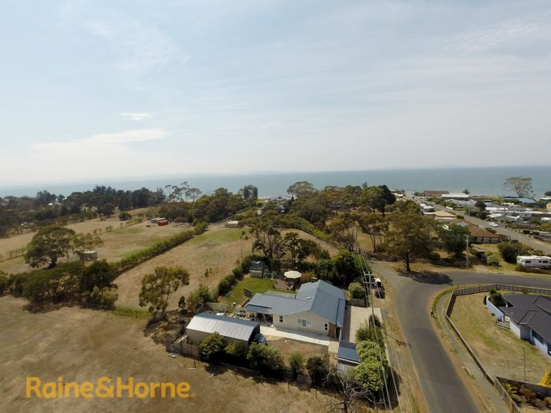 216 Roches Beach Road, Roches Beach TAS 7170, Image 2
