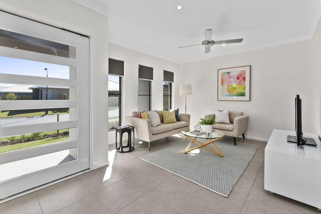 27 Beaufortia Street, Deebing Heights QLD 4306, Image 2