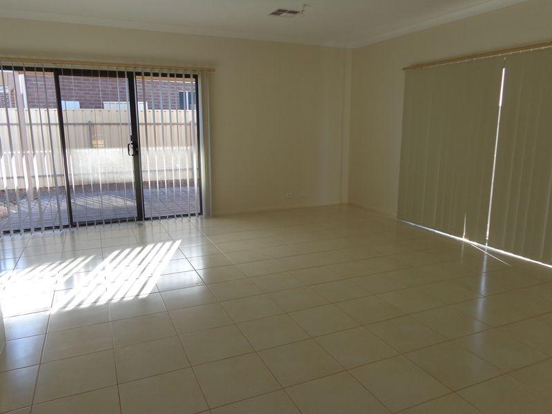 42 Scott Street, Whyalla Stuart SA 5608, Image 2