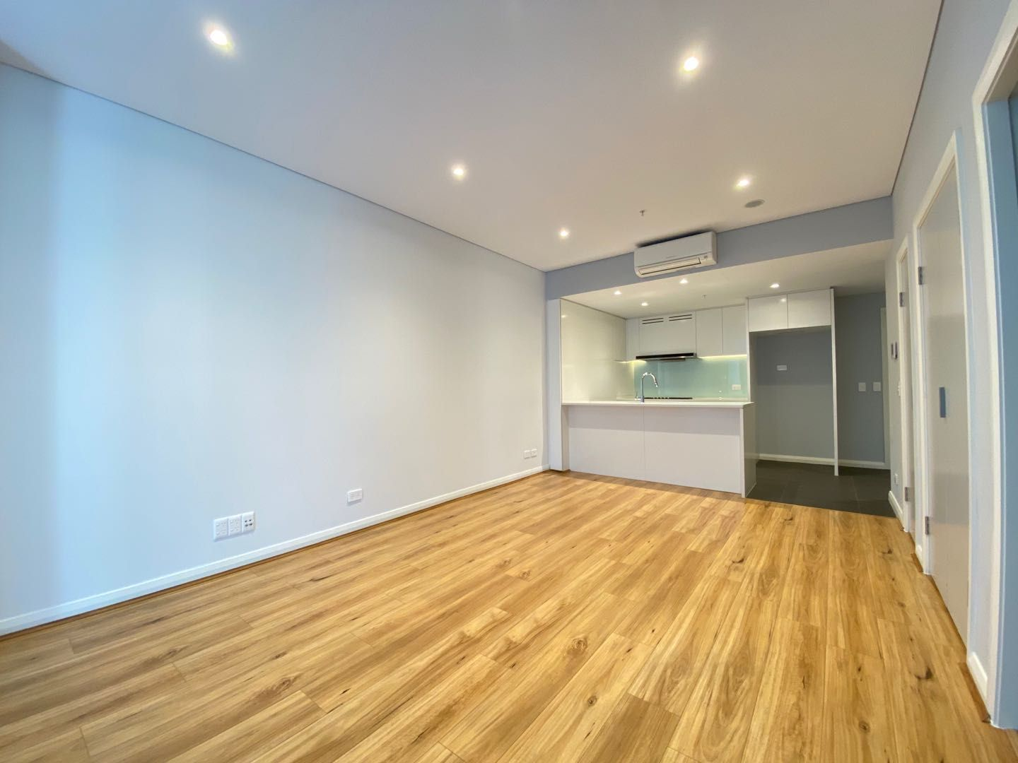 702/5 Wentworth Place, Wentworth Point NSW 2127, Image 0