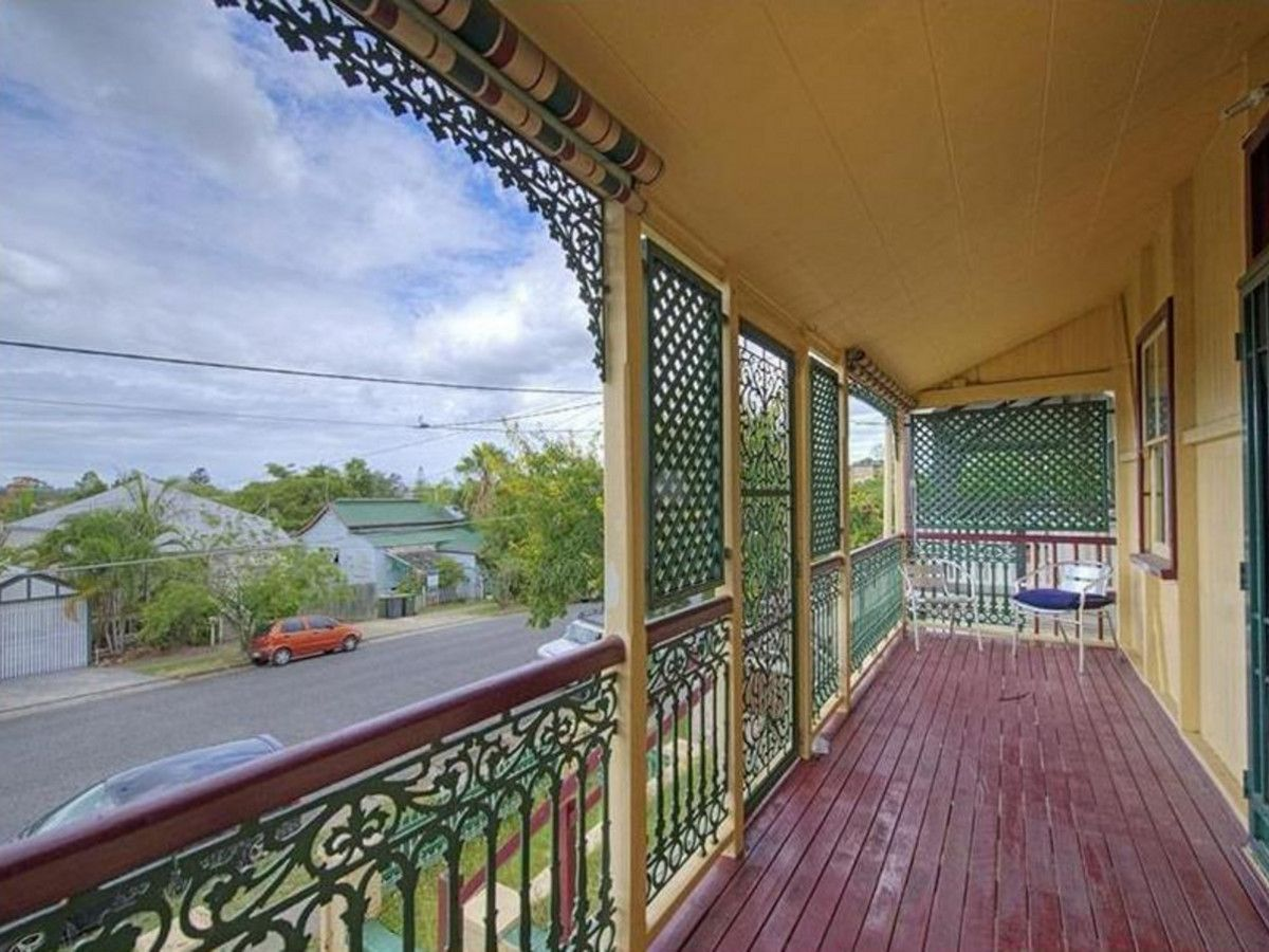 32 Burlington Street, East Brisbane QLD 4169, Image 2