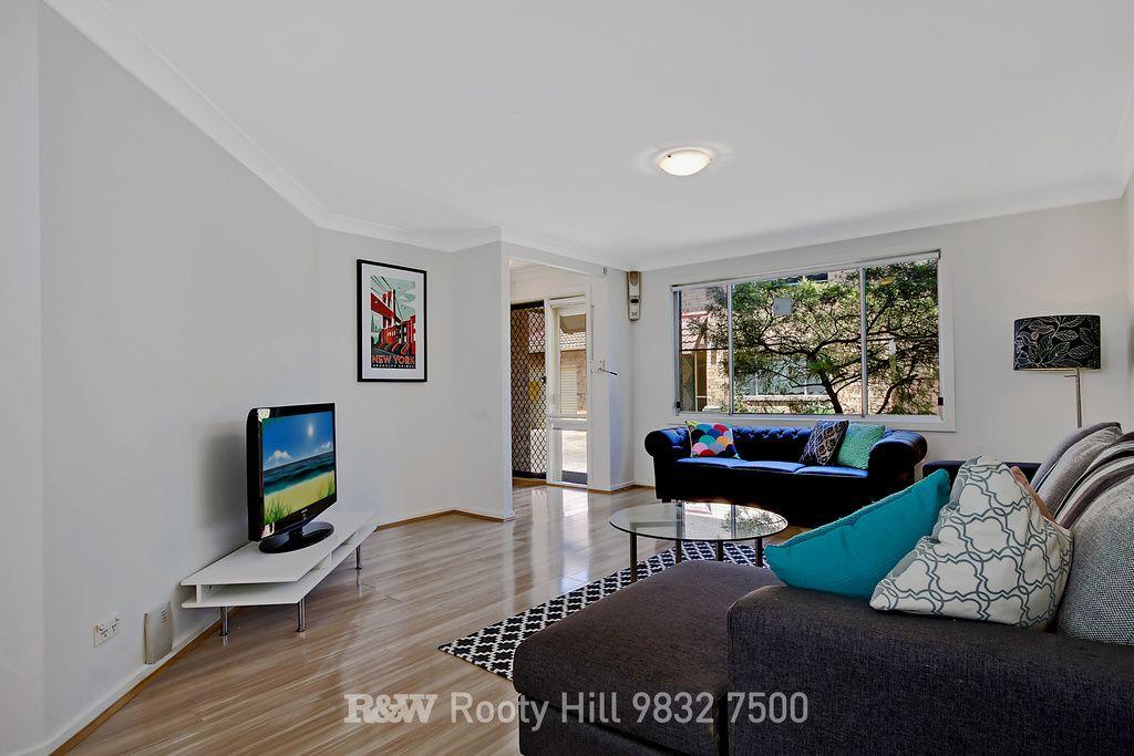 5/25 Surrey Street, Minto NSW 2566, Image 2
