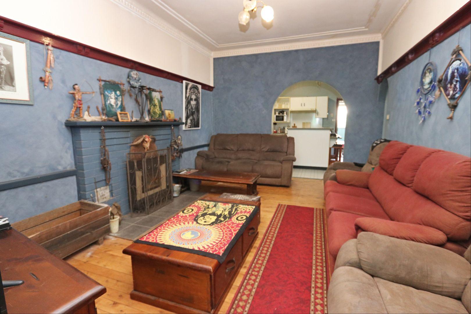 99 Hoskins Street,, Temora NSW 2666, Image 2