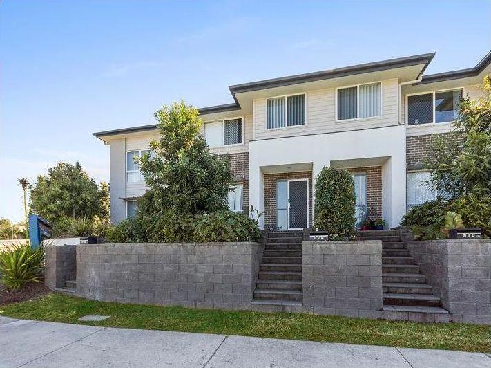 2/4 Lamington Drive, Redbank Plains QLD 4301, Image 0