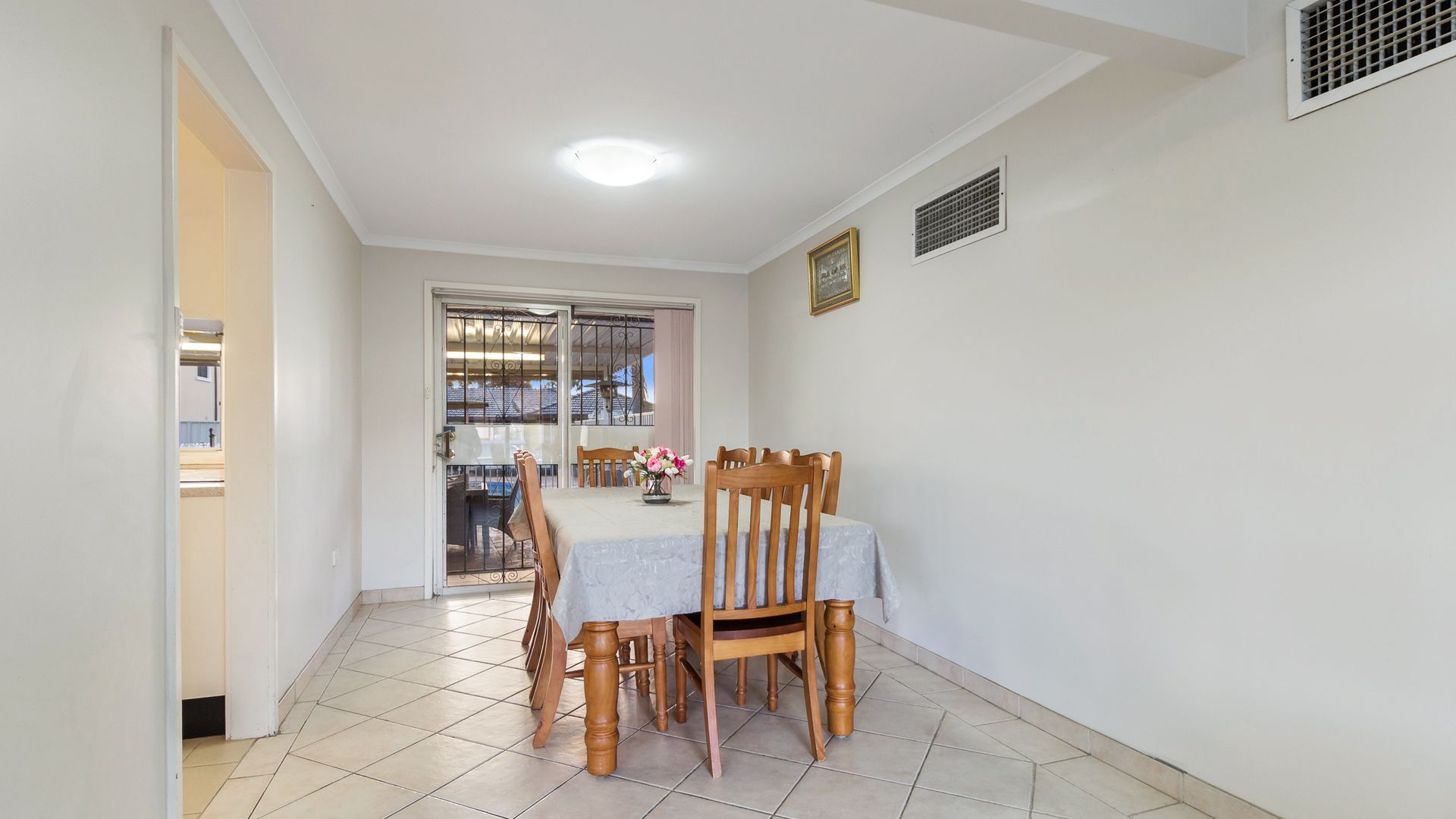46 Ascot Drive, Chipping Norton NSW 2170, Image 2