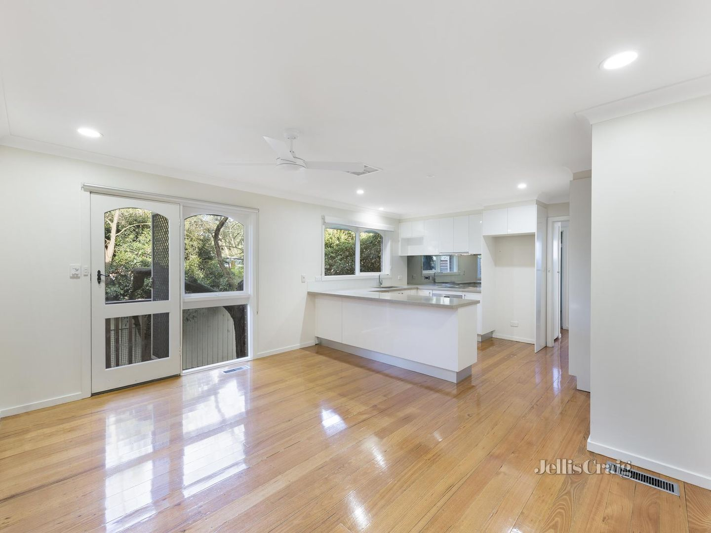 6 Coolong Place, Viewbank VIC 3084, Image 1