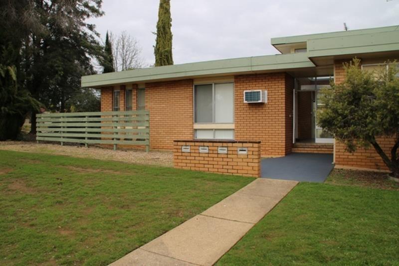 2/278 Bourke Street, Turvey Park NSW 2650, Image 0