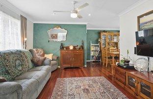 Picture of 33 Curve Avenue, Wynnum QLD 4178