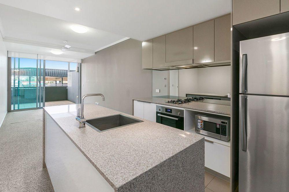 30102/2 Harbour Road, Hamilton QLD 4007, Image 2