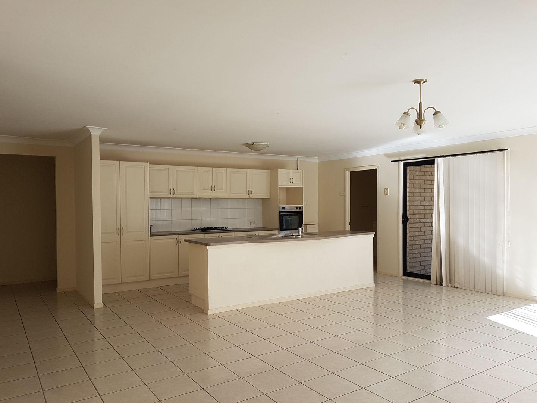26 Settlement Drive, Wadalba NSW 2259, Image 2