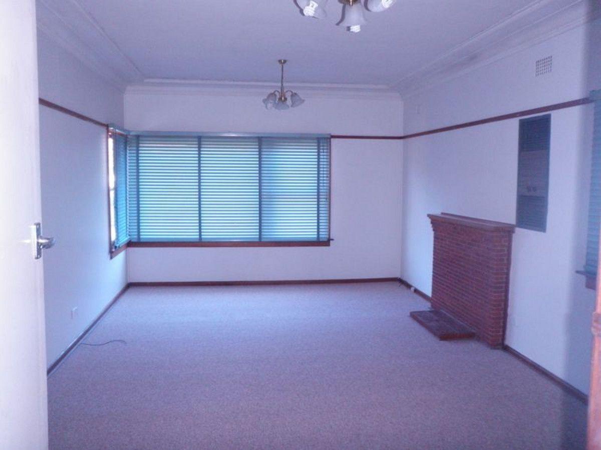 17 Williamson Avenue, Seven Hills NSW 2147, Image 2