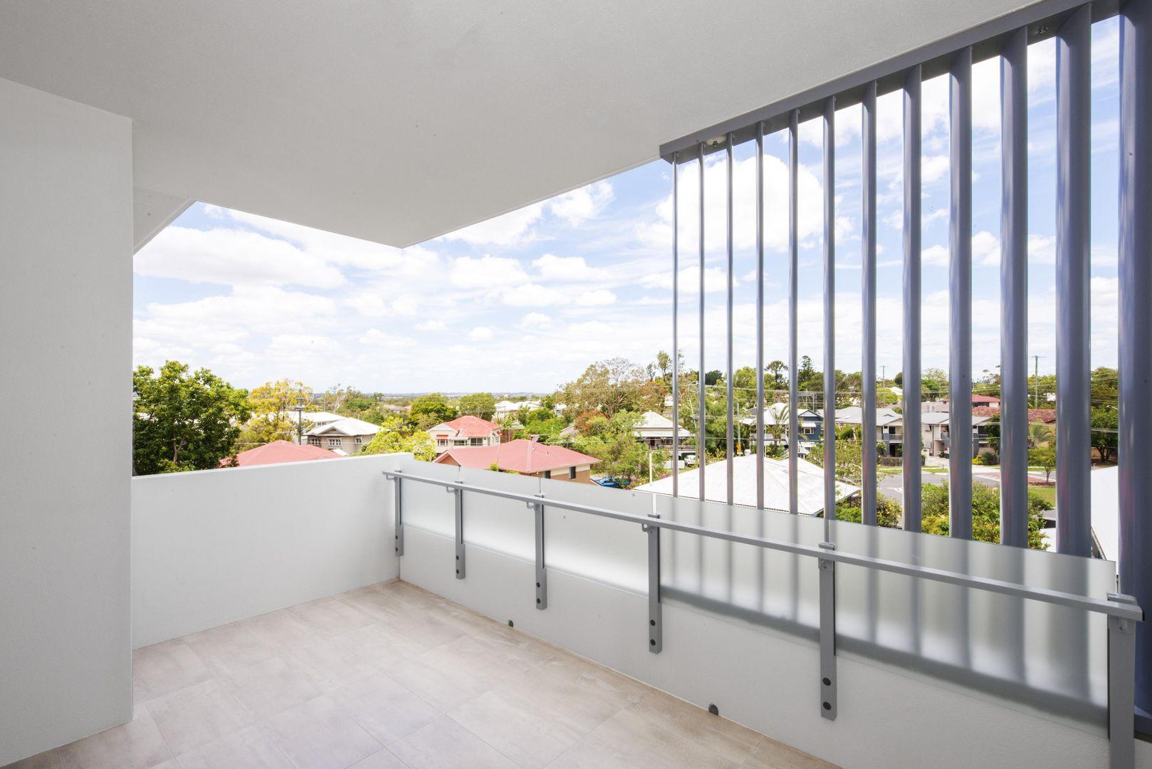 301/47 Hood Street, Sherwood QLD 4075, Image 2