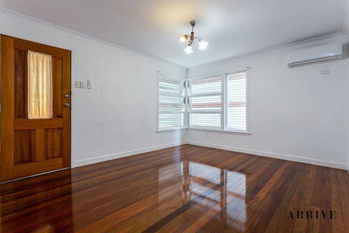 78 Wemvern Street, Upper Mount Gravatt QLD 4122, Image 2