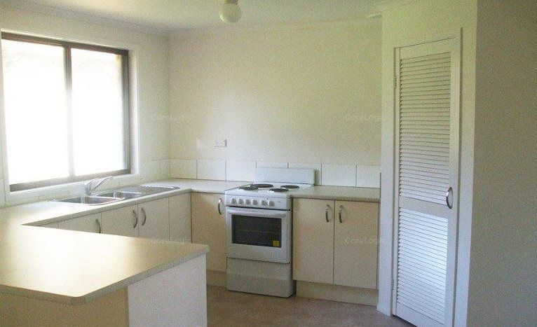 166 Cresthaven Avenue, Bateau Bay NSW 2261, Image 2