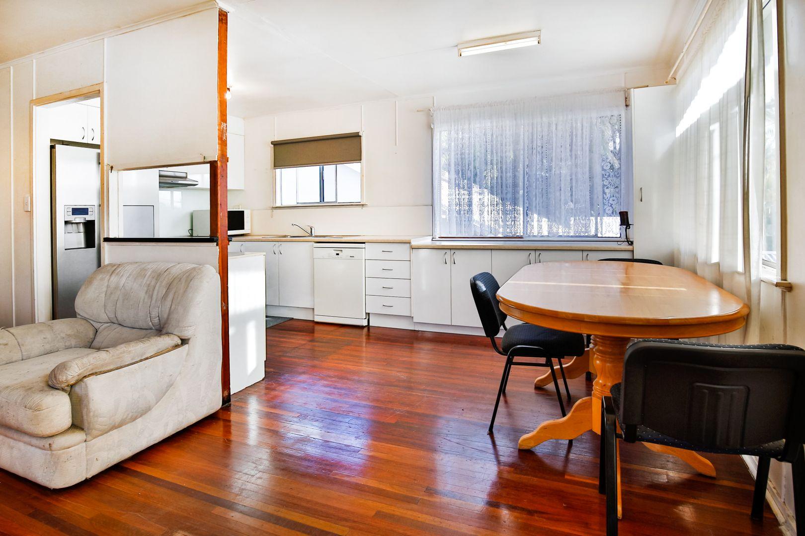 5 Margaret Street, West End QLD 4810, Image 2