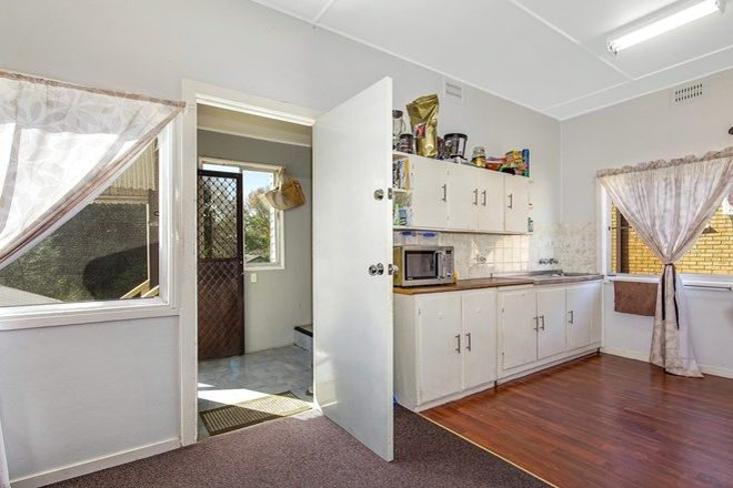 Picture of 4 Anzac Road, LONG JETTY NSW 2261