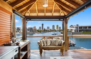 Picture of 62 Clear Island Road, Broadbeach Waters QLD 4218