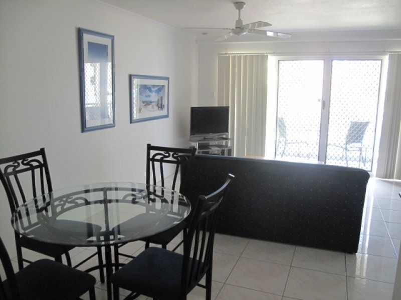26/11 Breaker Street, Main Beach QLD 4217, Image 2