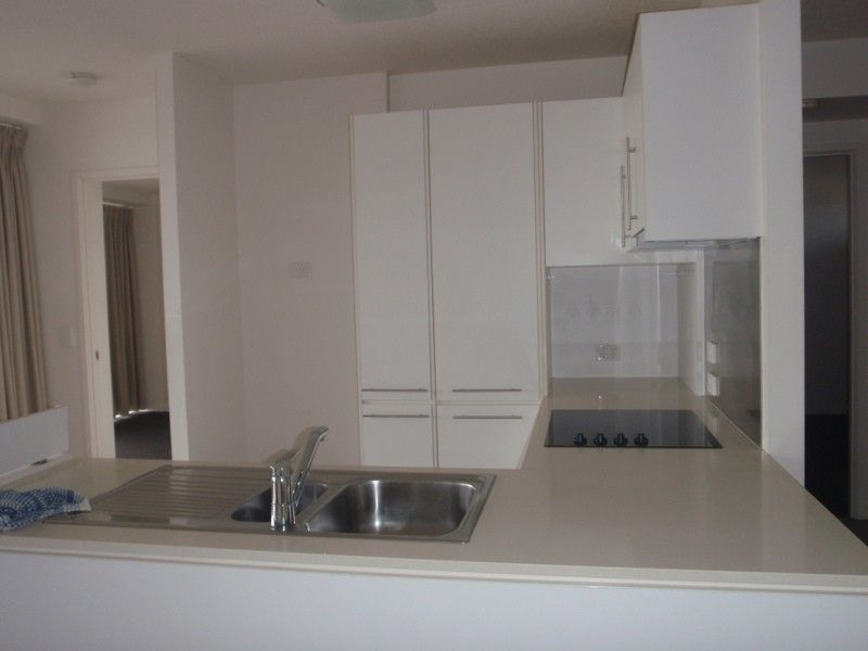 27/8-32 Stanley st, Townsville City QLD 4810, Image 2