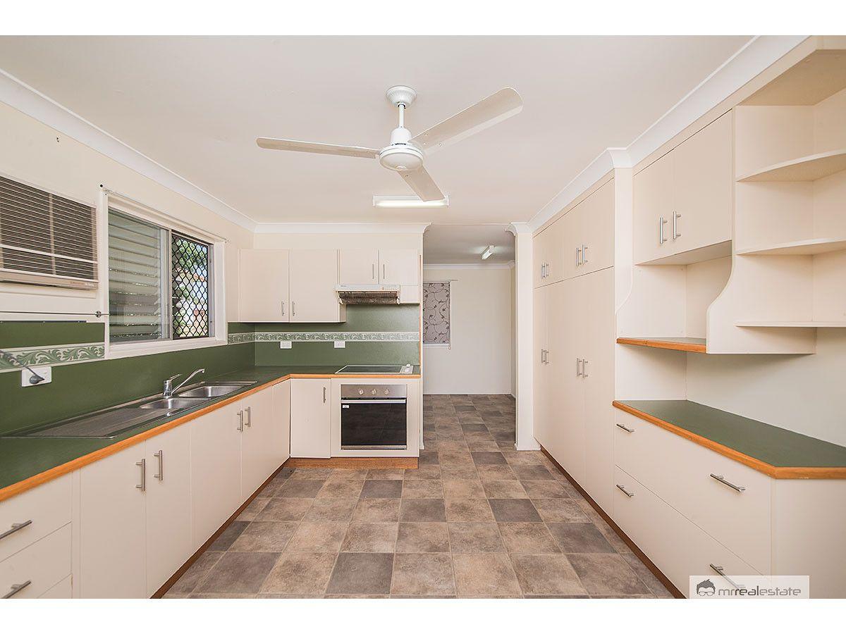 39 Potts Street, Norman Gardens QLD 4701, Image 2