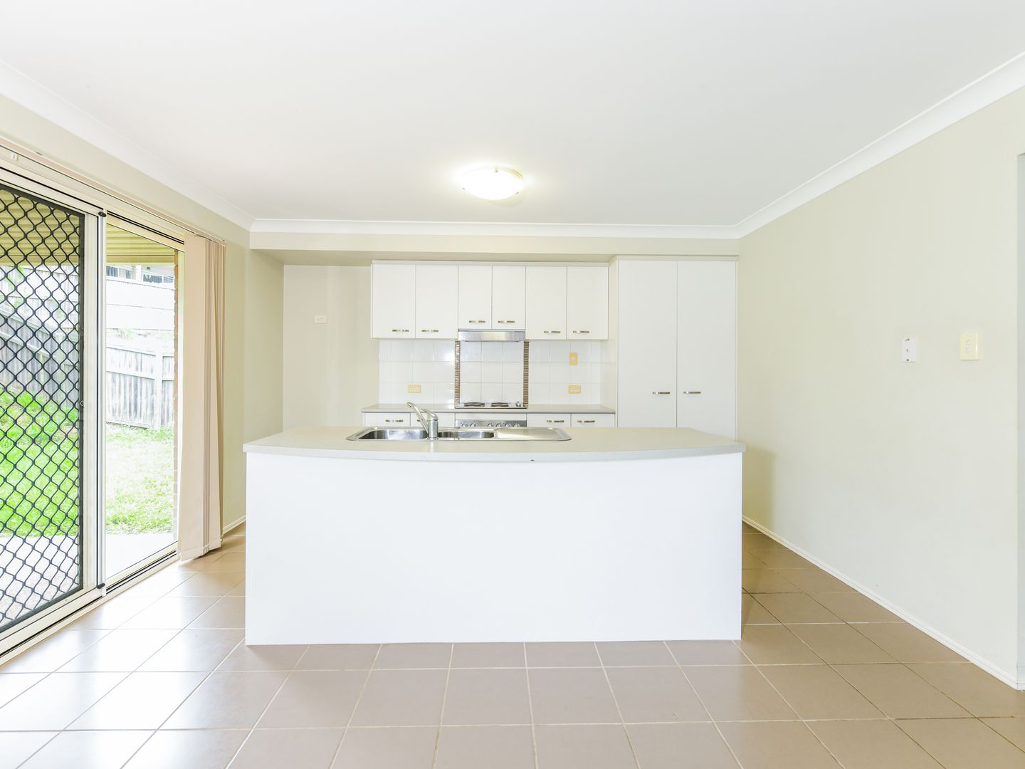 19 Nadine Court, Warner QLD 4500, Image 2