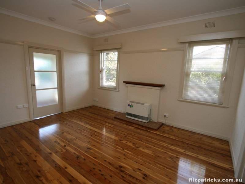 7 Bourke Street, Turvey Park NSW 2650, Image 2