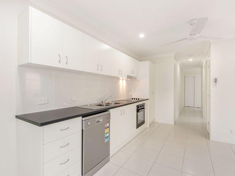 2/13 Wegener Street, Churchill QLD 4305, Image 2