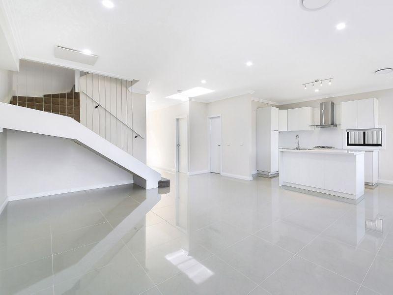 8 Arthur Avenue, Blacktown NSW 2148, Image 2