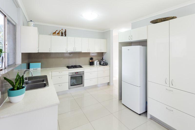 15 Lanena  Street, Jindalee QLD 4074, Image 2