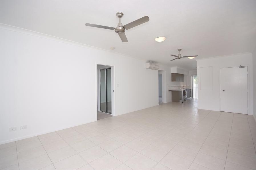 33/114-118 Trinity Beach Road, Trinity Beach QLD 4879, Image 2