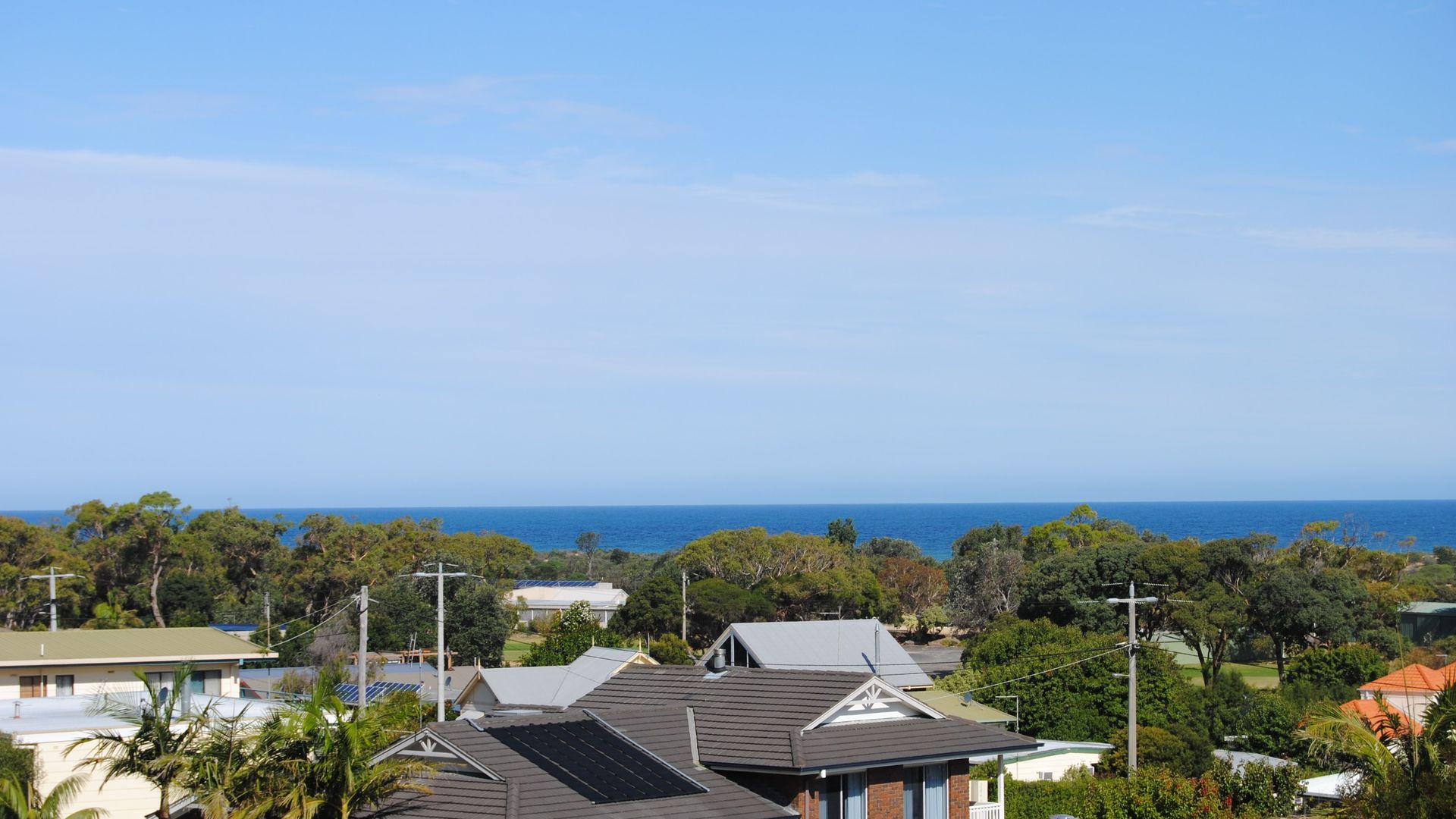 10 Moorabinda Court, Lakes Entrance VIC 3909, Image 2