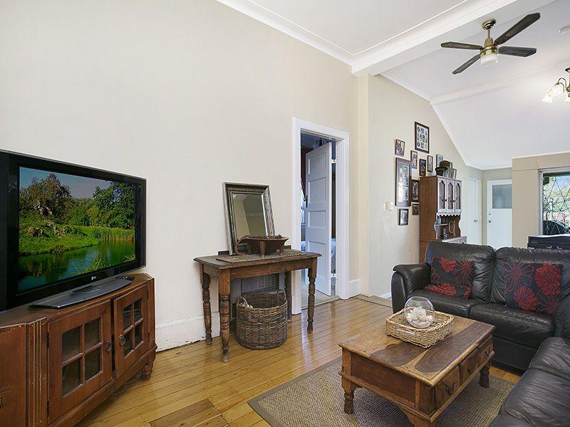 7 Koorinda Avenue, Kensington NSW 2033, Image 2