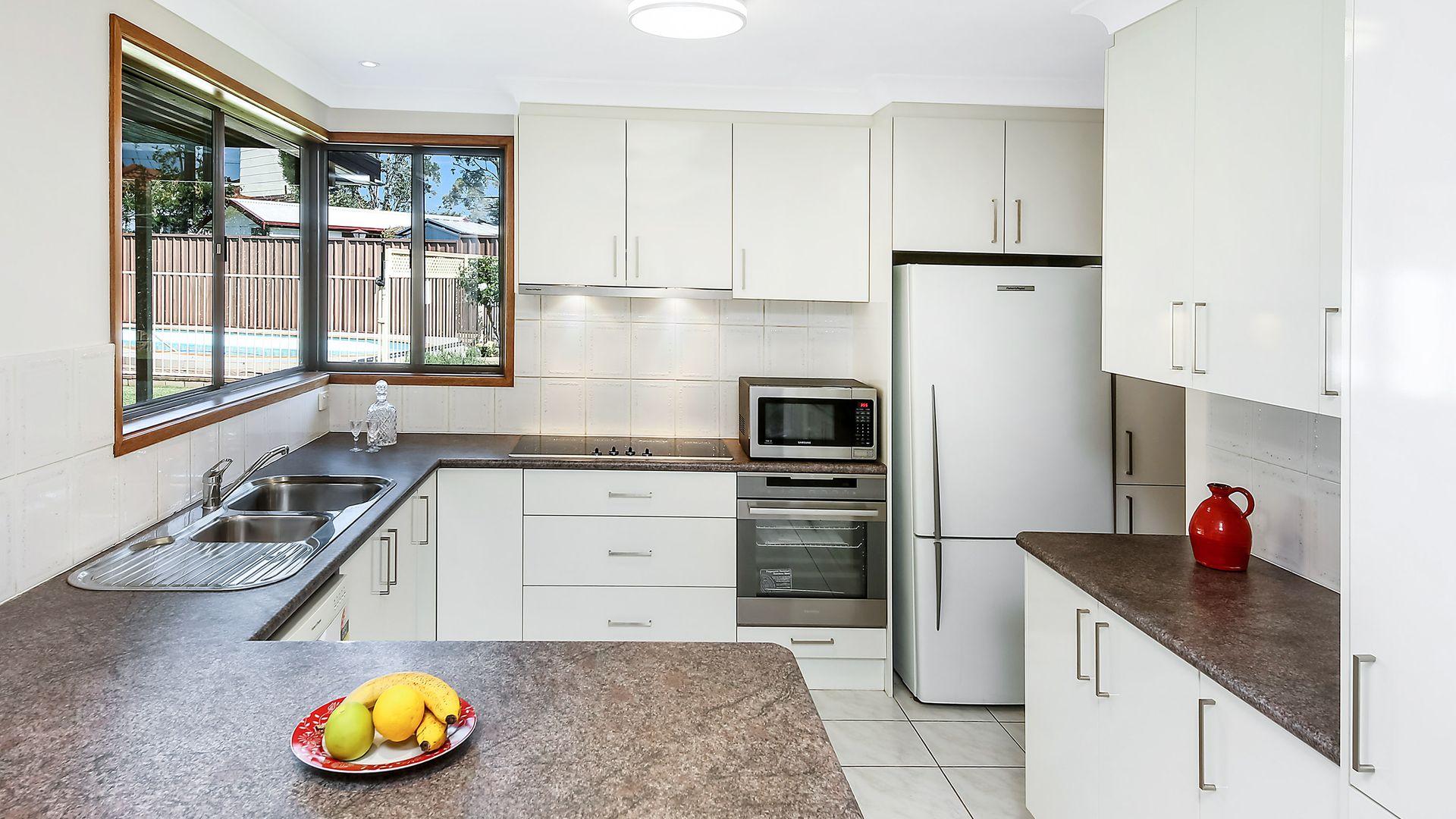 5 Peeler Place, Milperra NSW 2214, Image 2