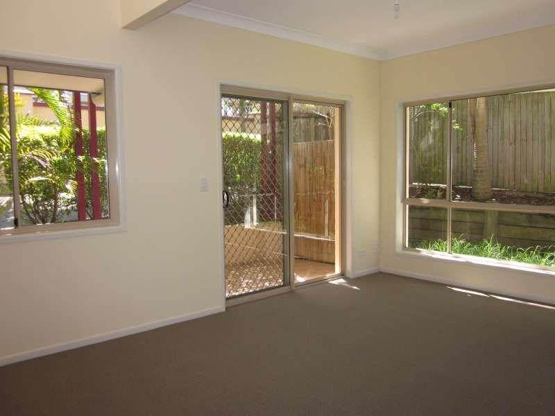 1/40 Warren Street, St Lucia QLD 4067, Image 1
