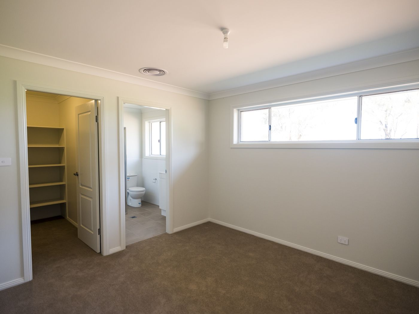 24 Huckel Close, Grenfell NSW 2810, Image 1