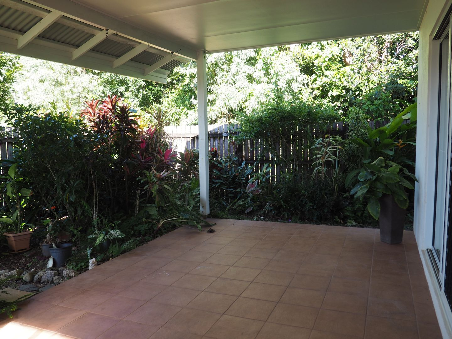 Unit 4/19 Mariner Dr, South Mission Beach QLD 4852, Image 2