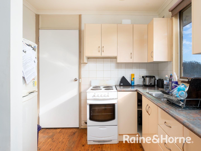 15 Poulton Street, Ashmont NSW 2650, Image 2