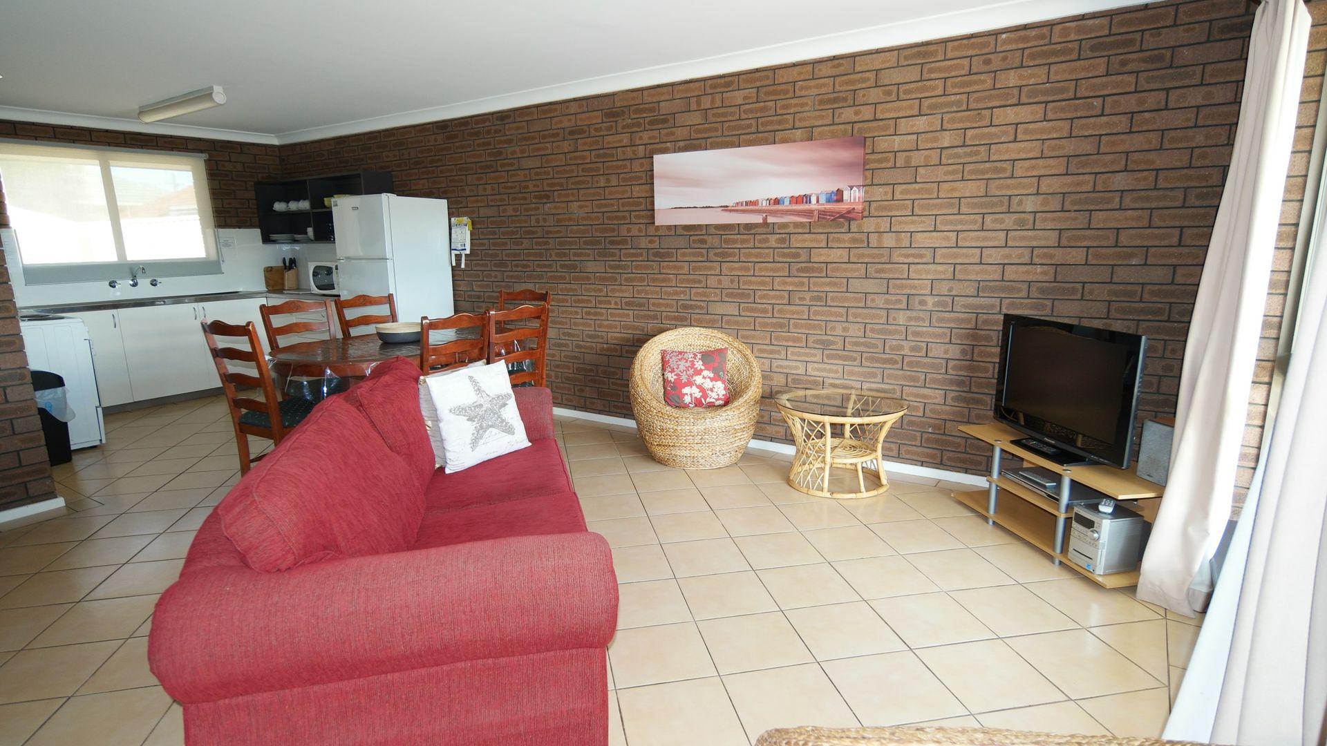 2/75 Eastern Road, Geraldton WA 6530, Image 2