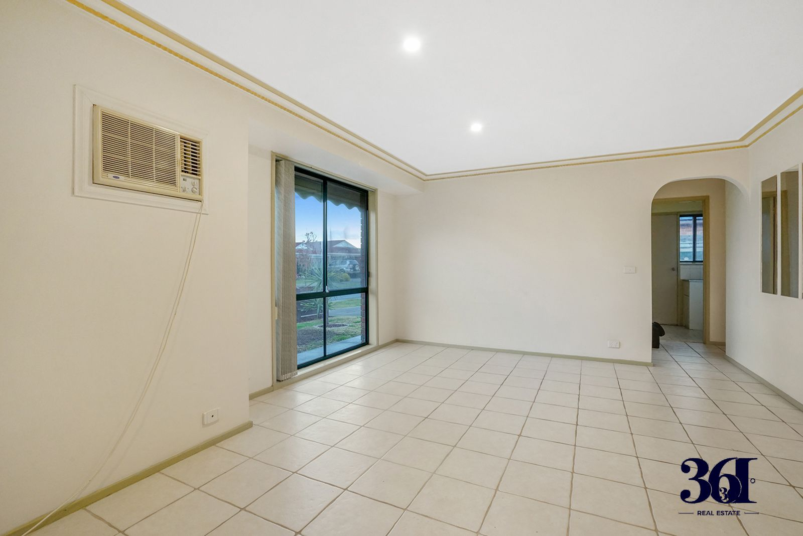 10 Alsace Avenue, Hoppers Crossing VIC 3029, Image 2
