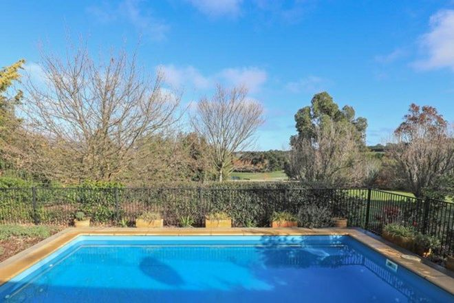 Picture of 22 Ochiltree Court, ROMSEY VIC 3434