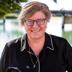 Tracey Brown, Sales representative