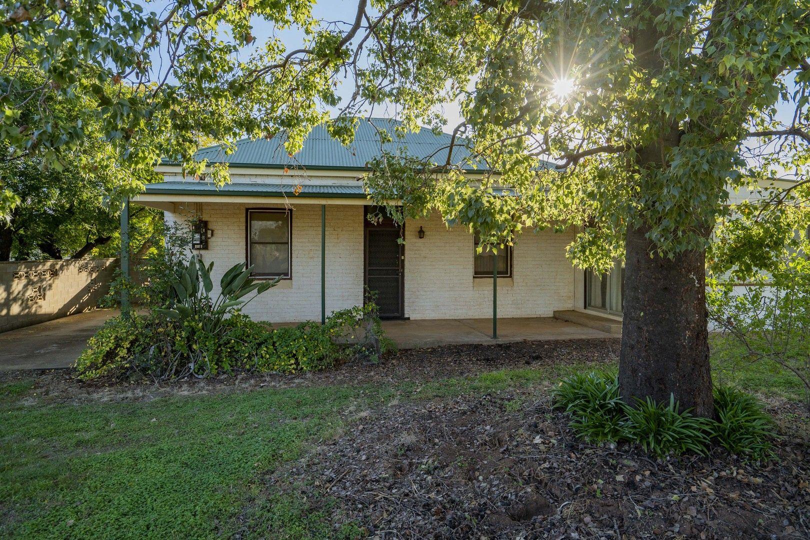 28 McGregor Street, Temora NSW 2666, Image 0