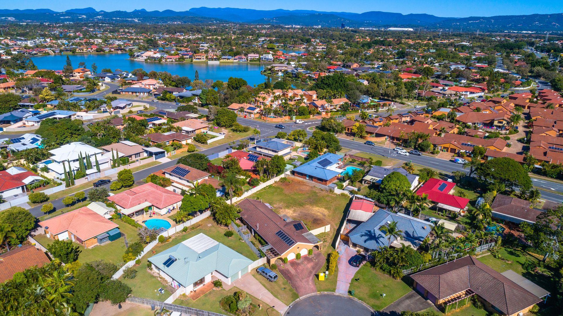 10b Ballandra Court, Mermaid Waters QLD 4218, Image 2