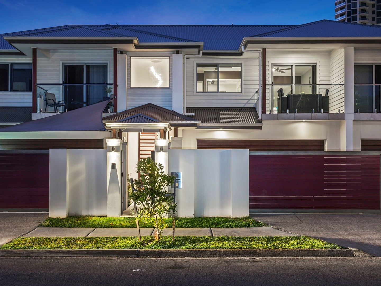 2/32 Tedder Avenue, Main Beach QLD 4217, Image 2