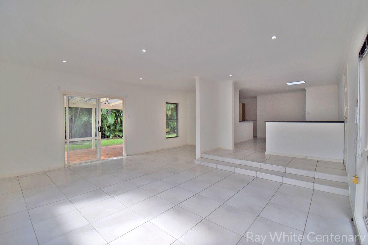 23 Athos Street, Riverhills QLD 4074, Image 2