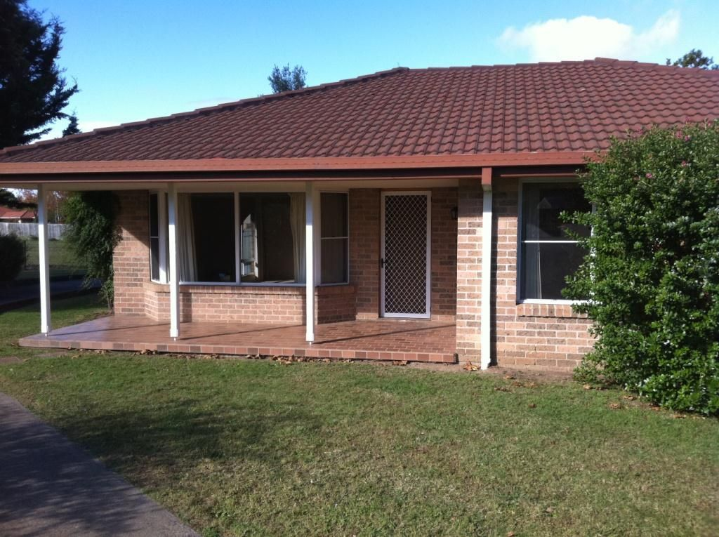 2/15 Jayne Close, Armidale NSW 2350, Image 0