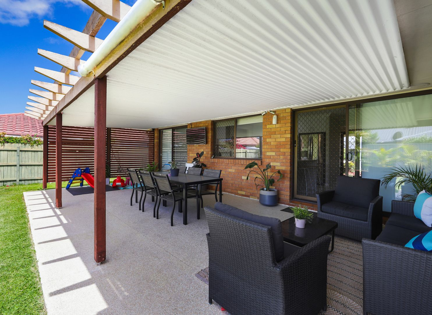 13 Silkyoak Court, Burleigh Waters QLD 4220, Image 2
