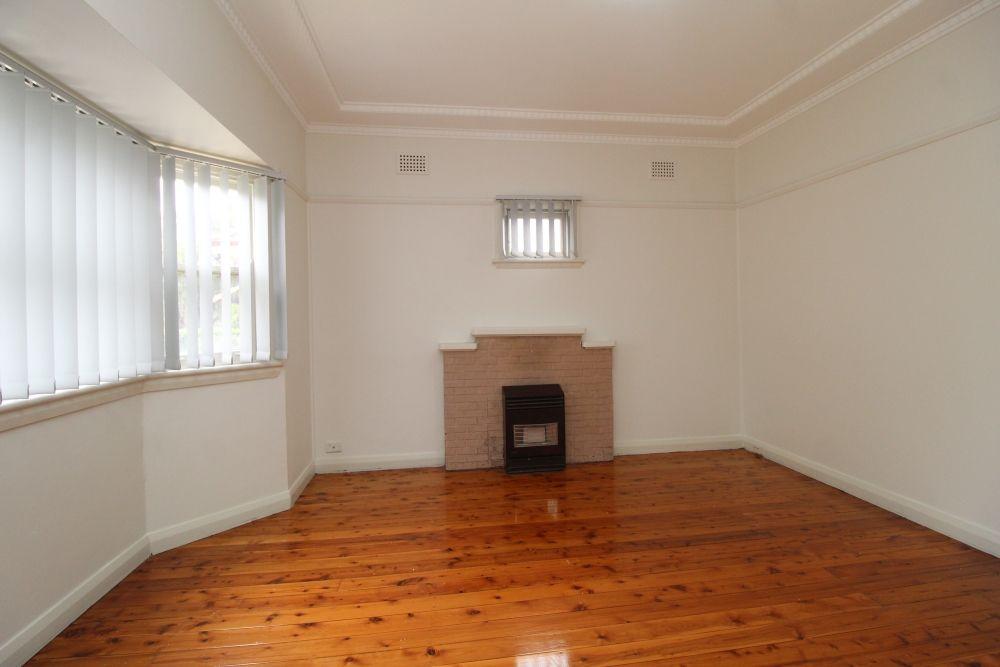 8 Kooreela Street, Kingsgrove NSW 2208, Image 2