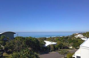 53 Wavecrest Drive, Castaways Beach QLD 4567