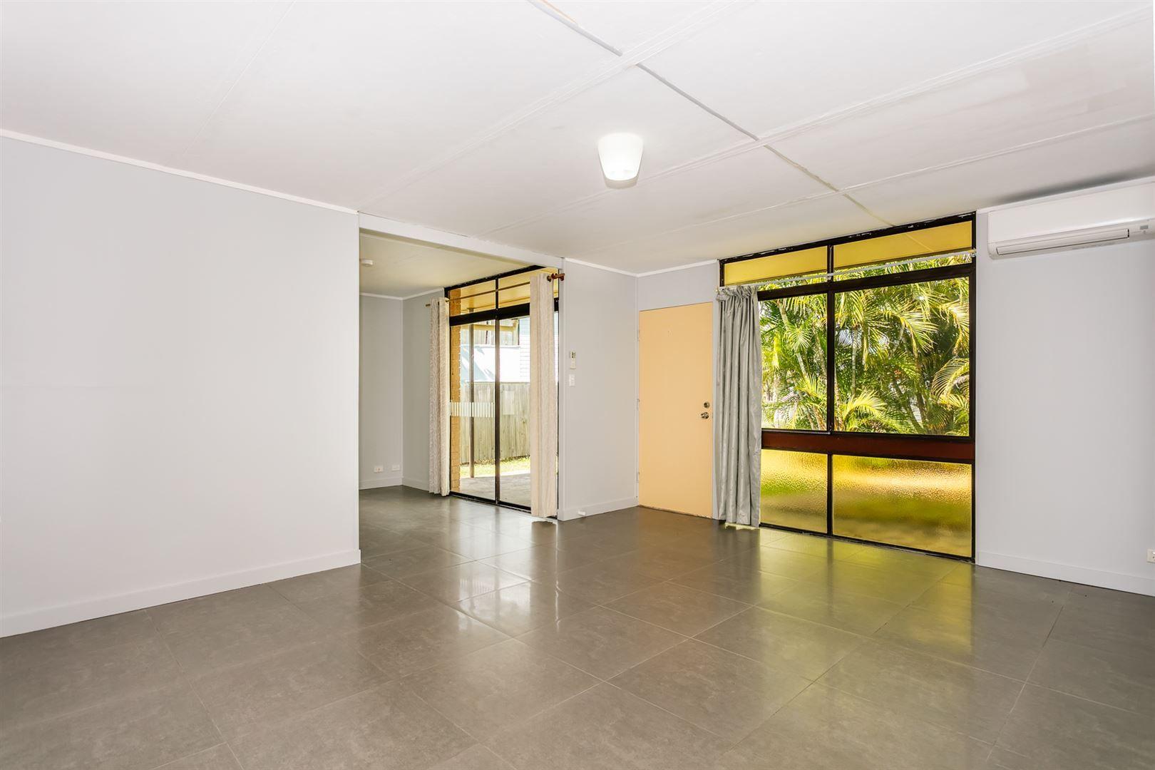 23 Sylvania Street, Logan Central QLD 4114, Image 2